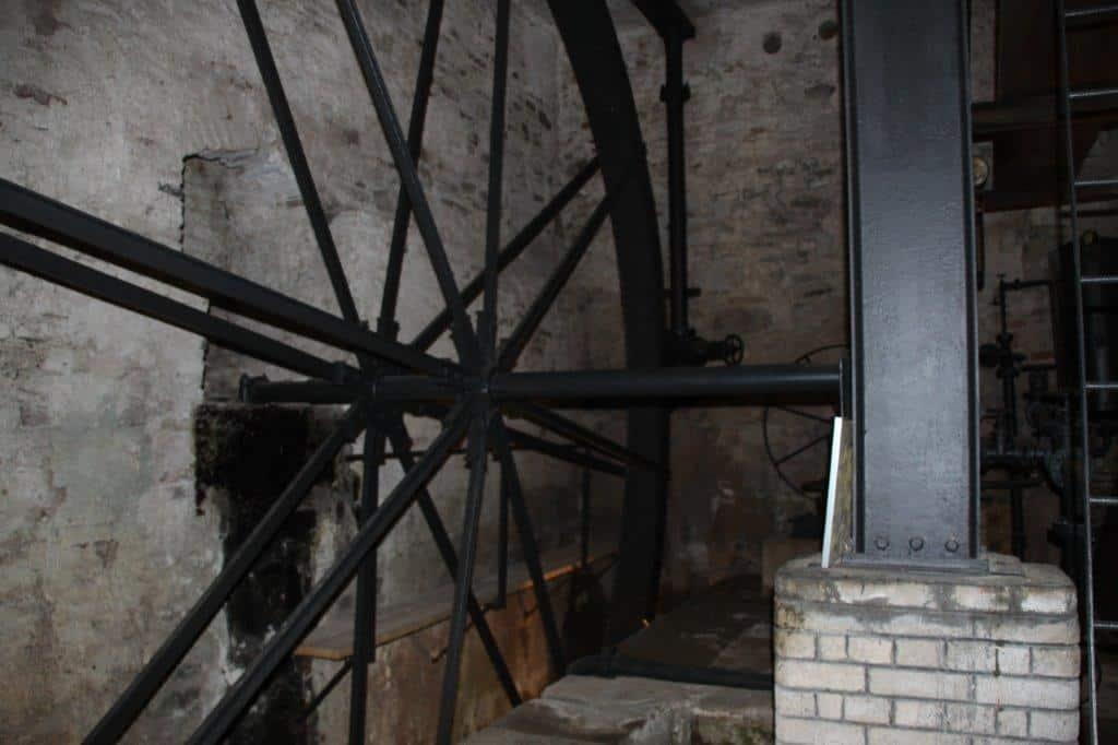 Das 6,30m große Wasserrad